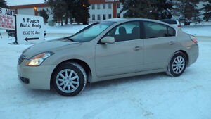 09 Altima - auto - LOADED - A/C - NEWER TIRES  ONLY 104,000KMS