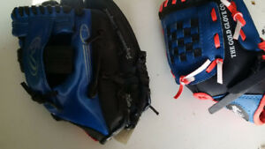 KIDS BASEBALL GLOVES (2)