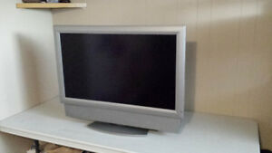 37 inch FLATSCREEN TV FOR SALE!