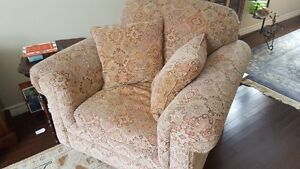 Comfortable, good quality chair for sale Stratford Kitchener Area image 1
