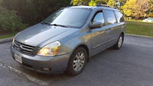 2008 Kia Sedona Minivan, Van