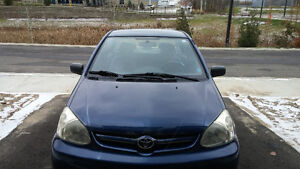 2005 Toyota Echo Sedan LOW KMS AND LOOKS NEW