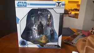Star Wars villains Keychain with tin NEVER OPENED