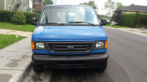 2004 Ford E150 Fourgonnette, fourgon ,mécanique A1