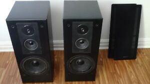 Stereo speakers for sale - Philips (Pick up only)