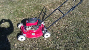 Gas lawn mower Mastercraft in good working condition