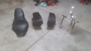 HD 2005 road king classic Seat, bags, and windshield