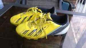 Adidas soccer shoes kids size 13