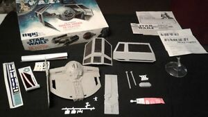 1977 Star wars Darth Vader Tie Fighter stand, box & parts