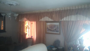 window curtains  fit 2 big window  for sale London Ontario image 6