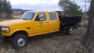 1992 4x4 Ford F-350 Pickup Truck