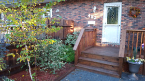 Beautiful 3 BDRM Townhouse- All Inclusive
