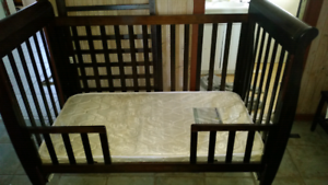 Cot (converts into a toddler bed)