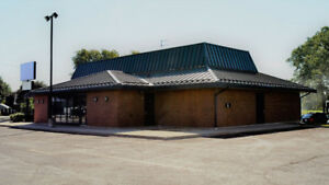 PRIME Commercial Property for Lease in Wallaceburg + INSENTIVES!