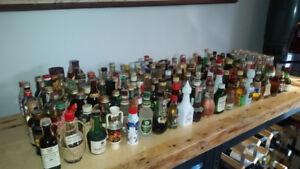 lot de mini bouteilles d'alcool