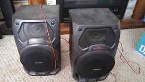 2 Panasonic speakers