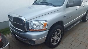 2006 Dodge Ram 1500 SLT Pickup Truck 4x4 5.7L Hemi (Safetied)