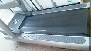 Non-Working LifeFitness  95Ti Treadmill, *Commercial Quality