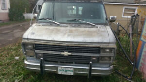 Chevy g20 campervan runs and drives. Good tires