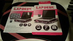 LAPDESK design noir et blanc / coussin de genoux pour ordinateur