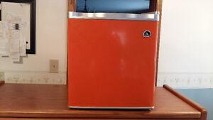 countertop fridge