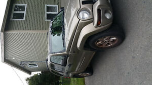 2004 Jeep Liberty SUV, Crossover (reduced)
