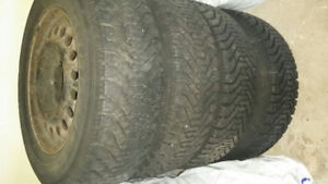 Dodge caravan Snow Tires & Rims, Like New 215x65x16