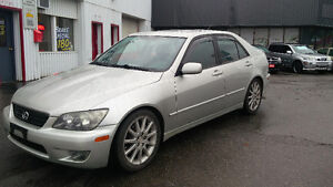 2005 Lexus IS 300 Sport LOADED 202,000km Auto Safety/E-tested!!