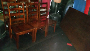 (BEST OFFER!!!) Beautiful Table with 6 Matching Chairs for Sale