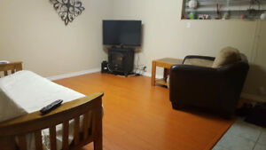 1 fully furnished bedroom for rent in 3 bedroom suite