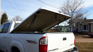Hard top tonneau cover