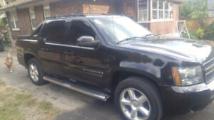 2007chevy avalanche LTZ MINT CONDITION