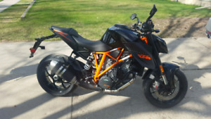 2015 KTM Superduke 1290R ABS