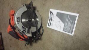 Black and Decker corded circular saw