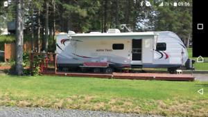 Roulotte Aspen Trail modèle 2810 bhs sur camping Lac Etchemin