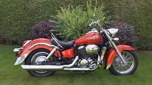 Honda Shadow Ace 2003 superbe condition ''showroom''