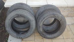 4 pneus Bridgestone d'hiver a vendre 195/65R15