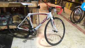 Norco crr3 carbon road bike
