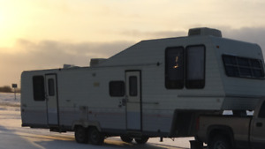 35' foot 5th wheel camper parting out