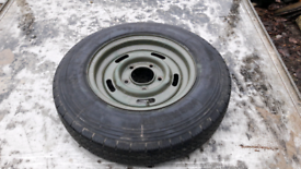 Set of five landrover 5 bolt trailer wheel and tyres