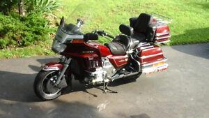 1984 HONDA Goldwing GL1200 Interstate Motorcycle