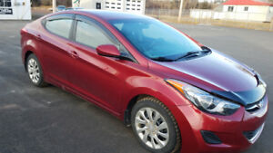 2012 Hyundai Elantra Auto in Excellent Shape.