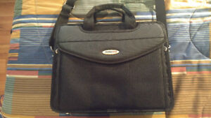 Mobile Edge Briefcase - Like New