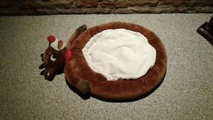 Rudolf the Red-Nosed Reindeer Pet Bed