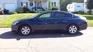 Altima - LEATHER - LOADED!!  Make and offer ...