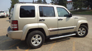 2010 JEEP LIBERTY - FULLY LOADED - 4X4 - REMOTE STARTER- 152KMS