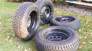 4 Winter Tires with Rims-185/65R15 Nexen+Winguard Tires Kitchener / Waterloo Kitchener Area image 4