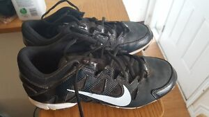Mens size 9.5 Nike Cleats
