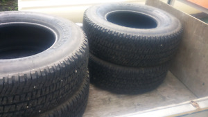Set of nearly new Michelin 285/70/17 inch tires