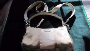 Coach purse- canvas with long strap- very clean West Island Greater Montréal image 1